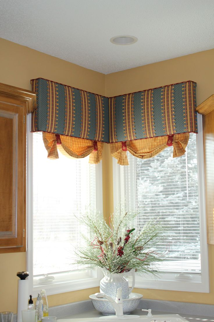 L an b designs and draperies corner kitchen sink cornice for Kitchen cornice ideas