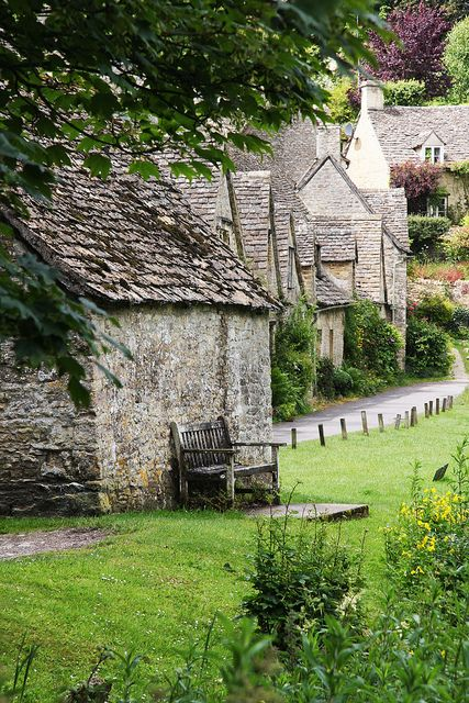 Cotswolds...love these little cottages England