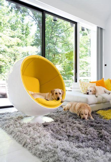 Eero Aarnio designed this iconic chair 1963-1965.