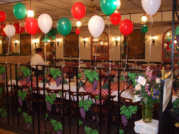 italian themed party - Must do red, green and white balloons...maybe near obstacle course?