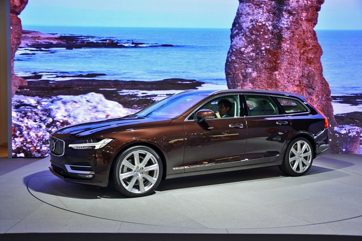 Volvo's new V90 proves the words 'wagon' and 'sleek' aren't mutually exclusive