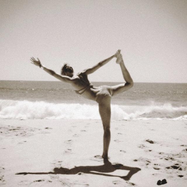 De danser: hart open, balans, concentratie en sterke benen!
