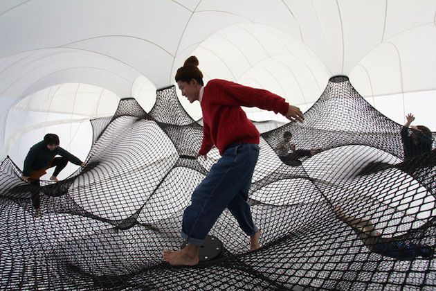 Net Blow up is a further development of the Net project both in means of construction and appearance.