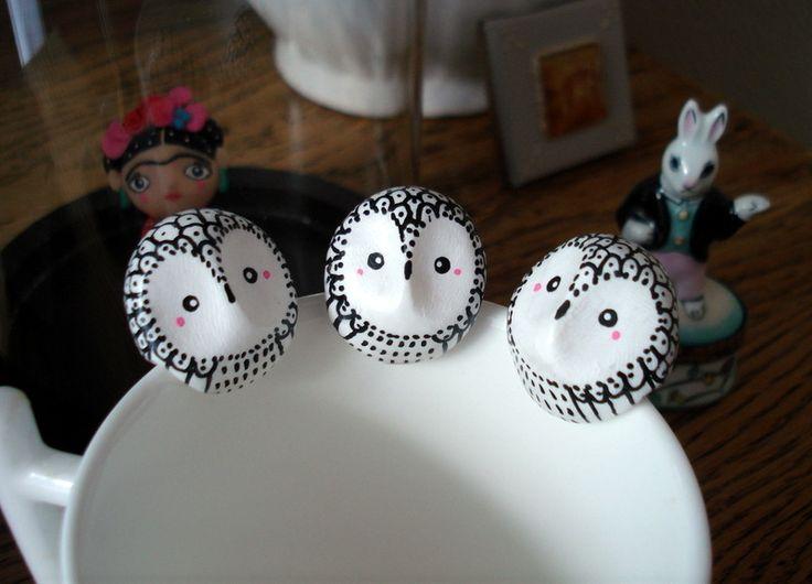 """Attache-thé """"Ma chouette des neiges"""" oMamaWolf figurine en porcelaine froide : Vaisselle, verres par omamawolf"""