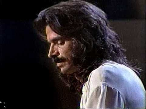 YANNI - ONE MAN'S DREAM -   Absolutely love Yanni's music.  This is one of my absolute favorites!!!!