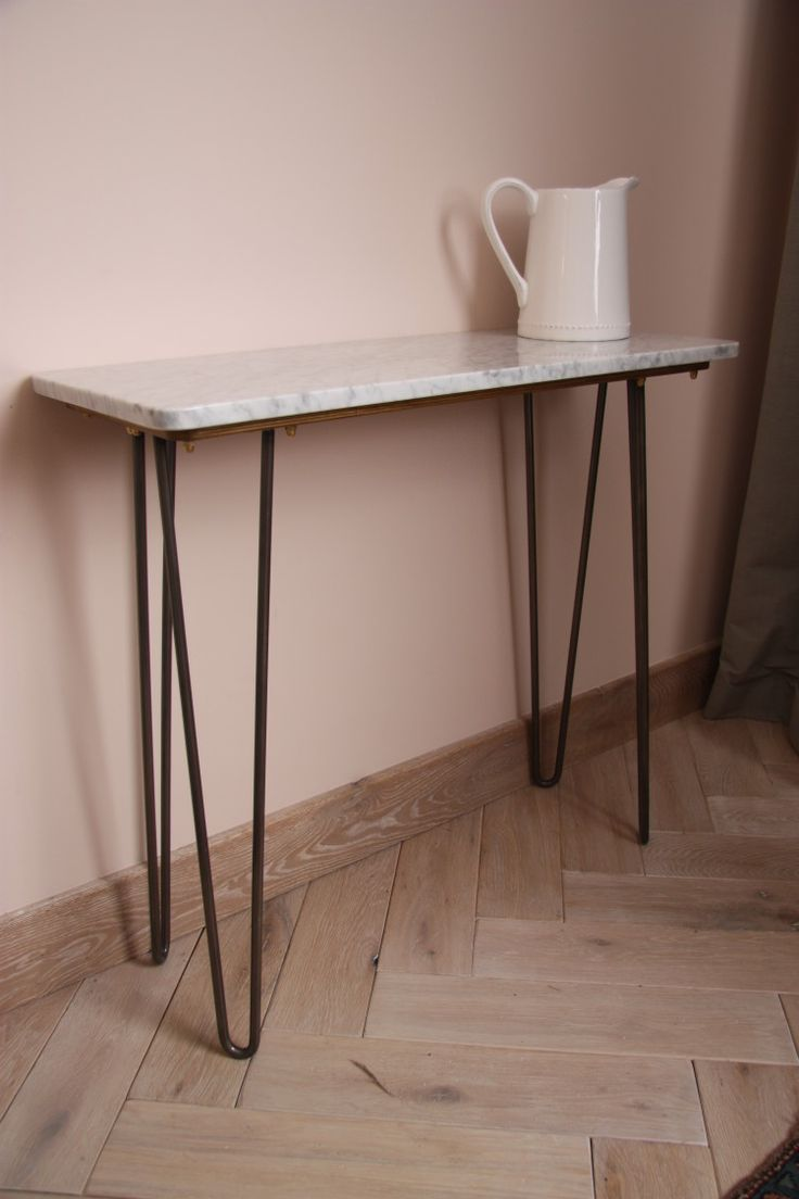 Get an eyeful of this then: marble top, hairpin legs mixed together with a pale pink wall and a parquet floor. Isn't that delicious? Even without the pink the parquet these tables are pretty …