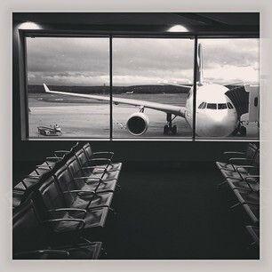 Qantas A330, Perth Airport