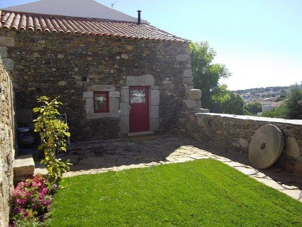 Casa, Aluguer de Férias em Sabugal Reserve e Alugue - 2 Quarto(s), 1.0 Casa(s) de Banho, Para 5 Pessoas - Casa de férias em Sabugal