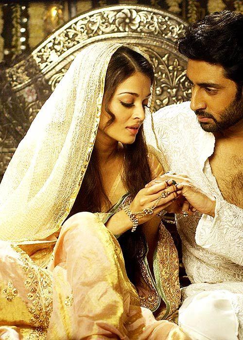 Aishwarya Rai & Abhishek Bachchan in 'Umrao Jaan' (2006).
