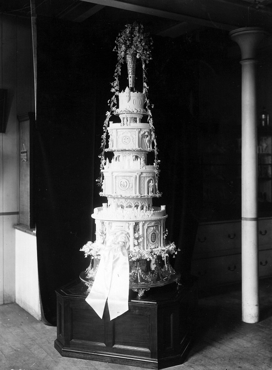 royal wedding cake supermarket 77 best royal wedding cakes images on royal 19436