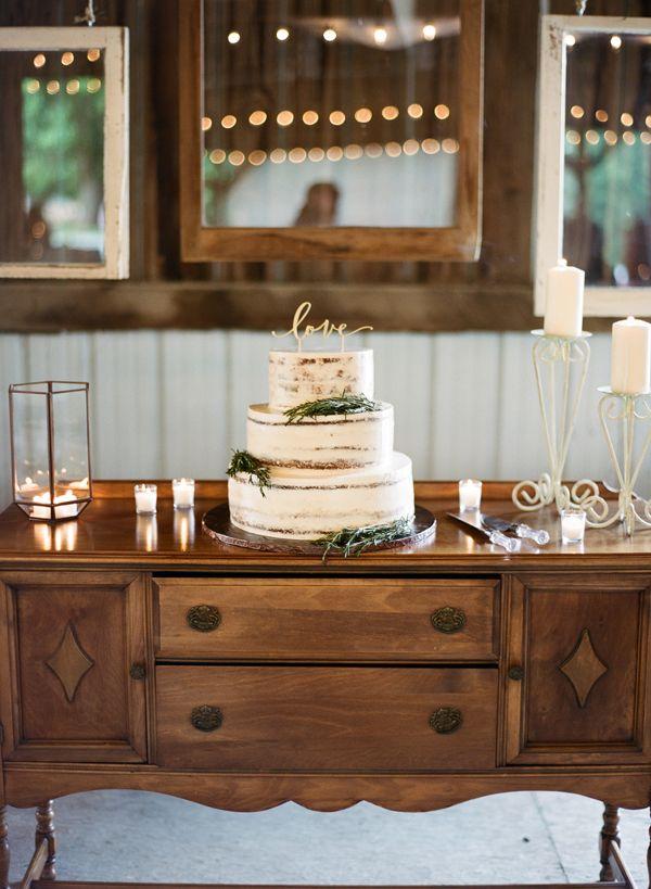 Rustic cake | Bella Grace Studios