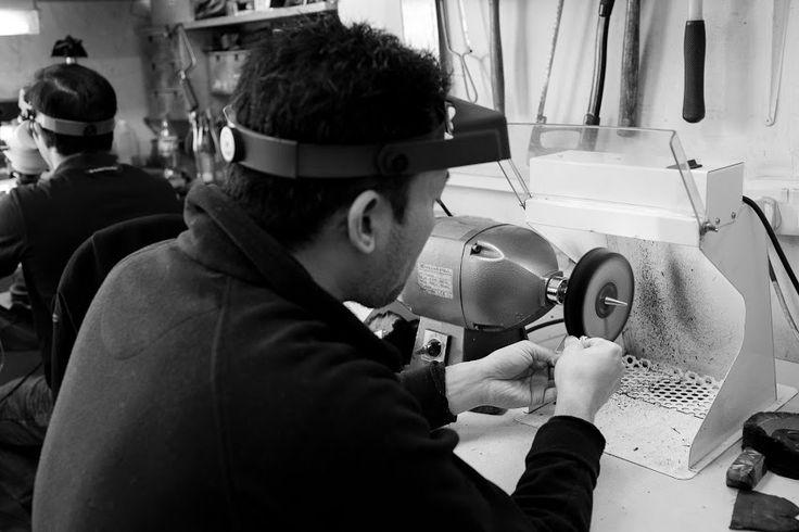 Final polish post setting.   #timothyroe #workshop #polishing #bespoke