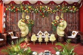 Jual Janur Kuning Dekorasi Pernikahan  - https://www.tokobungakarangan.com/jual-janur-kuning-dekorasi-pernikahan/  Visit http://www.tokobungakarangan.com to more information!