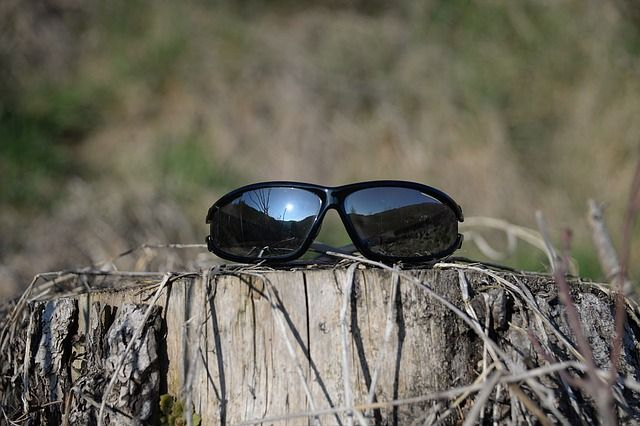 What To Look For When Choosing The Right Pair Of Sunglasses | Equip And Camp