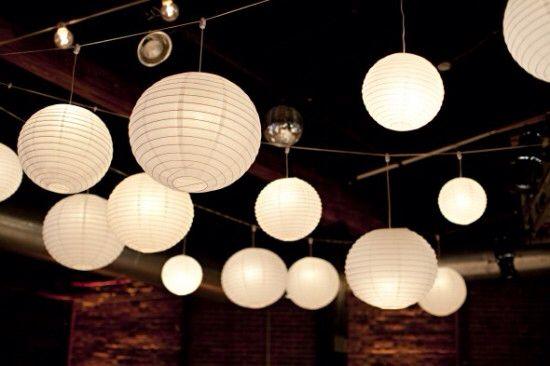 Witte lampion met led verlichting ter decoratie van je huwelijk
