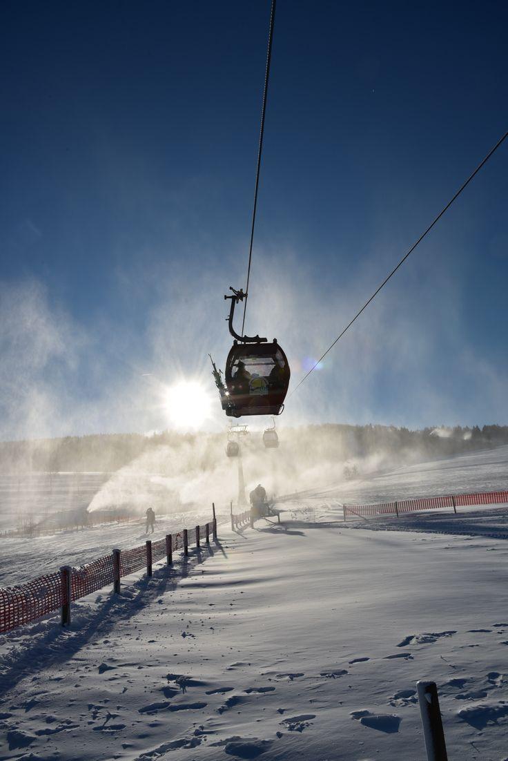 Wintersport in #Willingen: Pisten, Abfahrten, Ski-Lifte, Gastronomie & mehr. | Foto: Y-SiTE