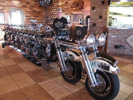 102 best motorcycle stuff images on pinterest biker chick girls on bikes and motorcycle girls. Black Bedroom Furniture Sets. Home Design Ideas