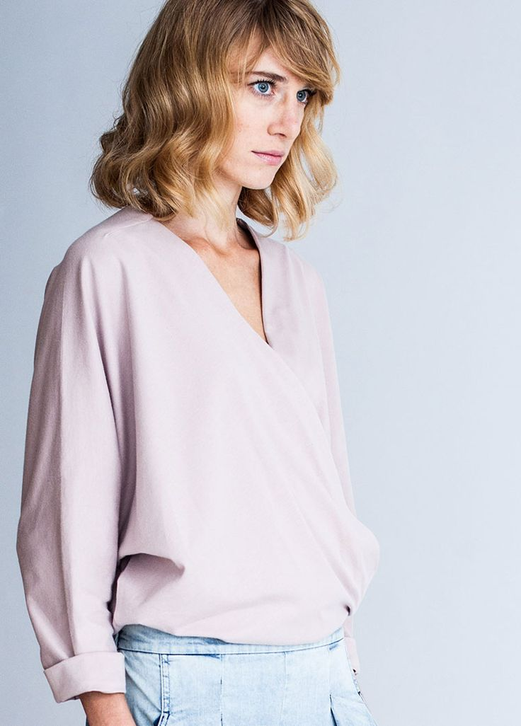Podwer pink. Kimono blouse. By the moon for women.