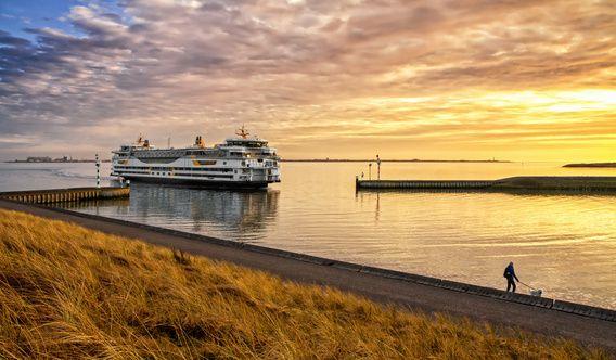 Veerboot en zonsondergang op Texel / Ferry and sunset on Texel Website: http://justinsinner.nl  Webshop: http://justinsinner.werkaandemuur.nl/nl
