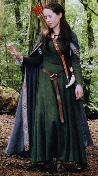 Queen Susan - Renaissance Costume - Royalty - Belt - Archer - Arrows - Cape