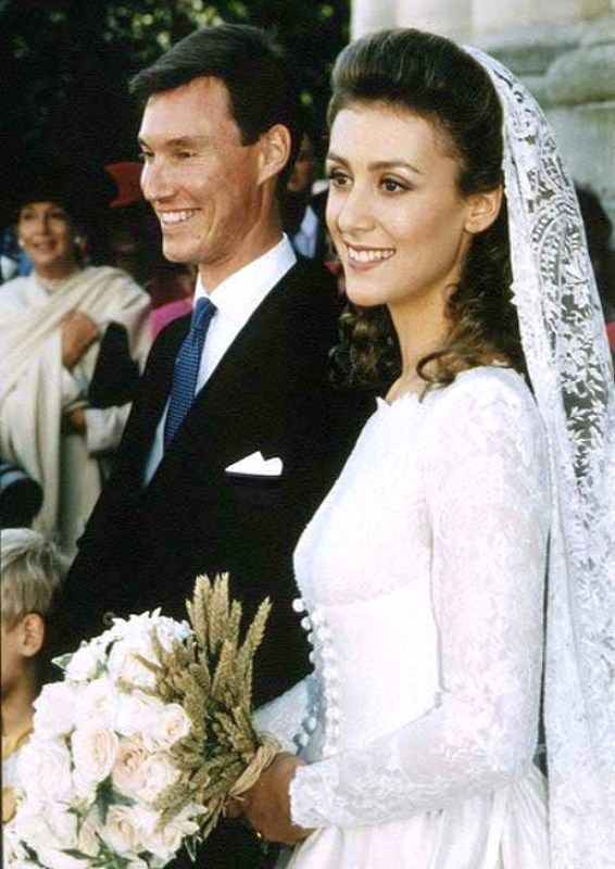 carolathhabsburg:  Wedding of Prince Guillaume of Luxembourg, youngest son of Grand Duke Jean and Grand Duchess Josephine-Charlotte, and his bride, Sibilla Weiller y Torlonia, great-granddaughter of King Alfonso XIII and Queen Ena of Spain, September 24, 1994.