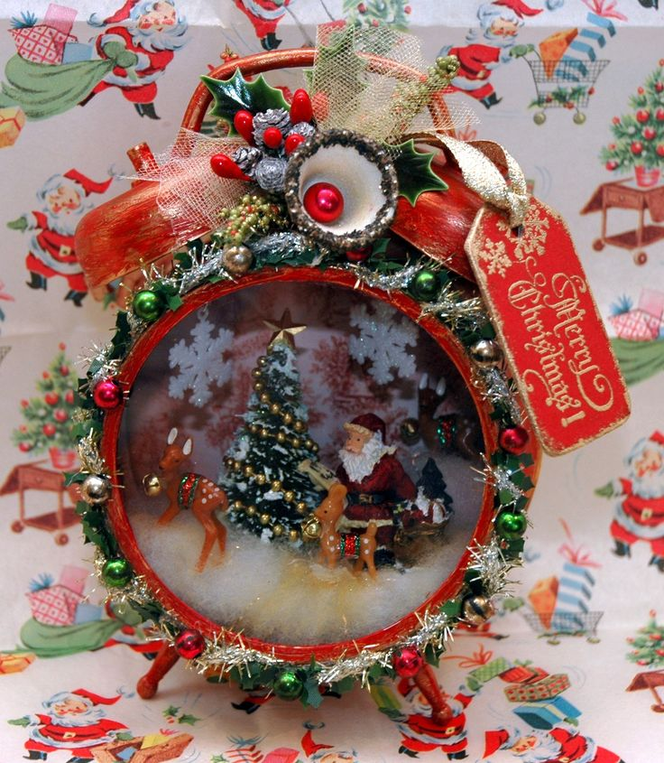 "Retro-ish Christmas Clock made from Tim Holtz Assemblage Clocks and lots of vintage ""stuff"". See the tutorial here: http://candycreates.blogspot.com/2014/08/compendium-of-curiosities-iii-challenge.html"