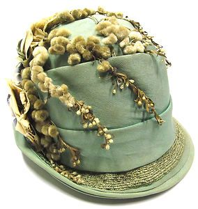 Antique 1920's Satin & Straw Cloche Flapper Hat ~Image via davhoop/ebay