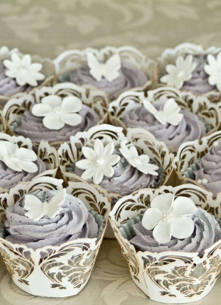 ♥♥♥ Yellow Peony Wedding ♥♥♥ - Elegant wedding cupcakes