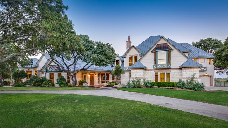 Extraordinary Property of the Day: Gorgeous Home in Boerne. Listed by Michael Schultz & Larry Lester