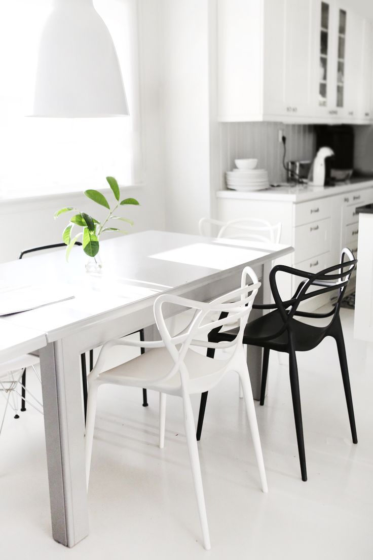 Modern black and white dining room - Modern Dining Tables Has Selected 10 Modern Black And White Dining Room Sets That Will Inspire You Take A Peek
