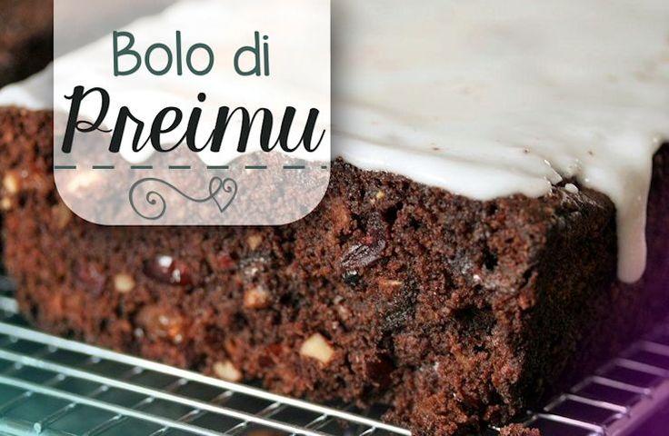 """Laatst kreeg ik een berichtje waarin iemand vroeg om het recept van bolo di preimu (pruimentaart) – """"wat raar"""", dacht ik, """"die hebben we een tijdje geleden toch al geplaatst…"""