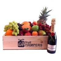 Moët & Chandon Champagne 375ml Gift  www.igiftfruithampers.com.au  #fruithampers #fruitgifts #giftsformen #luxurygifts #mangifts #freeshipping #hampers #gifthampers #giftsaustralia