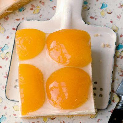 Mit dem Spiegeleierkuchen begeistern Sie Ihre Gäste sowohl mit der Optik als auch dem Geschmack. Eignet sich super für kleine Feste.