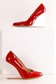 MAISON MARTIN MARGIELA HEELS Actually, I hate high heels but these are intriguing!