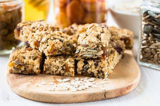 Healthy Homemade Granola Bar Recipe with Banana, Apricots and Pumpkin Seeds