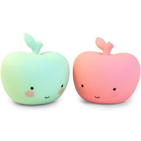 Et søtt, fargerikt eple med lys!