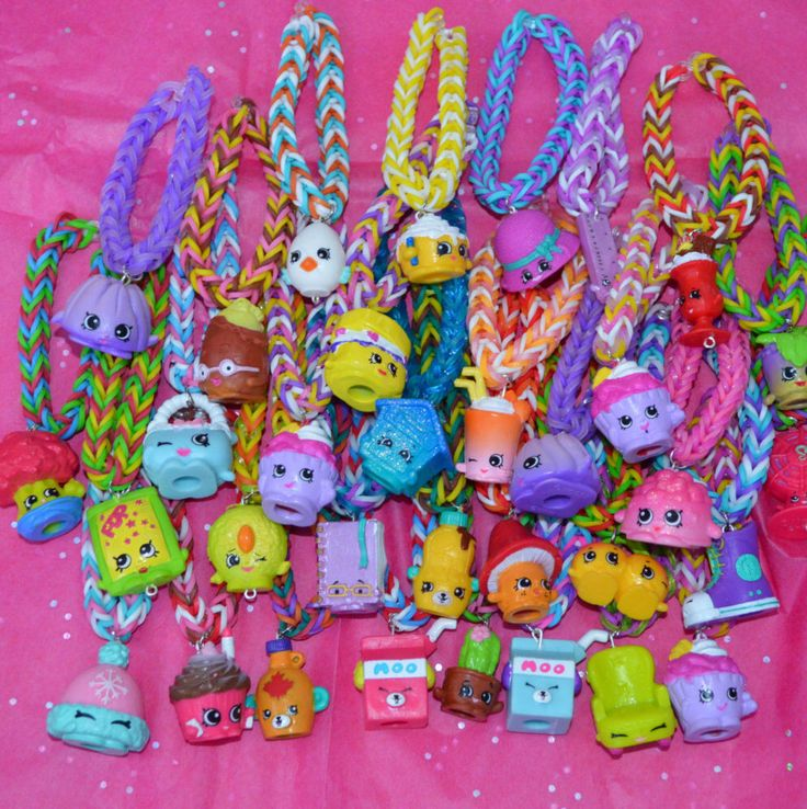 Shopkins Party Favor Pack Of Rainbow Loom Bracelets sets of 8 or more by JanviaBoutique on Etsy https://www.etsy.com/listing/263866590/shopkins-party-favor-pack-of-rainbow