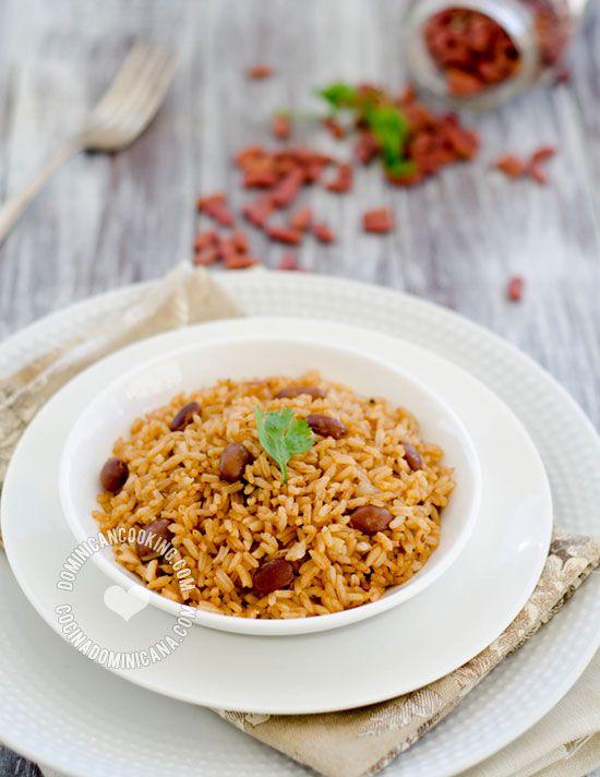Receta Moro de Habichuelas Dominicano: arroz y habichuelas cocidos juntos es muy popular en la República Dominicana. Aquí te presento la versión genérica.