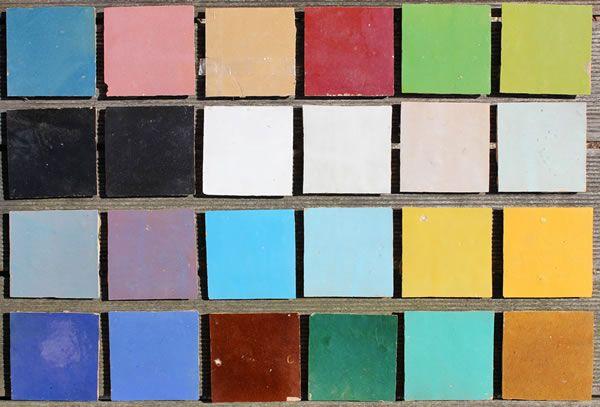 De celise/zelliges tegels worden per stuk met een mal vervaardigd en met de hand gekleurd en geglazuurd. De tegels zijn geschikt voor wanden en vloeren en zijn verkrijgbaar in 10 verschillende kleuren in de standaard maat 10x10cm. Ook zeer geschikt voor het maken van patronen en randen. LET OP! Dit product word verkocht per 0.5m2 Hier zie je hoe ze worden gemaakt.Deze tegels worden met de hand gemaakt en dat is hieronder in dit filmpje duidelijk te zien. Oneffenheden zijn bij de donkere…