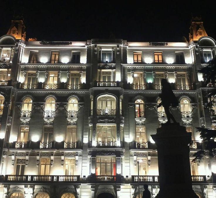 Plus Ultra Seguros Building #Madrid #urban #night #note8