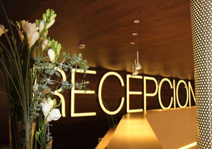 ¡Aquí empieza nuestra aventura juntos!✨Dispuestos a hacerte disfrutar de tu estancia con nosotros 😊  #HotelCarlosBenidorm #HotelCarlosI #HotelBenidorm #Hotel #HotelesBenidorm #Hoteles #CostaBlanca #Playa #Beach #PlayaBenidorm #BenidormBeach #CiudadBenidorm #TurismoCostaBlanca #Turismo #Benidorm #BeniLovers #Alifornia #Relax #Recepción