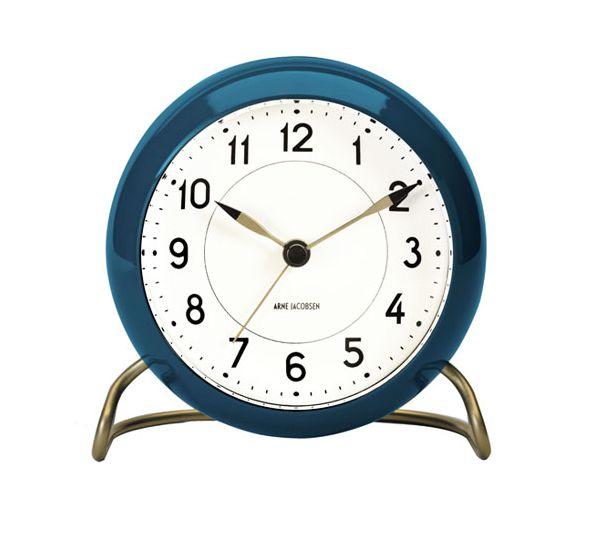 NYT Arne Jacobsen vægge ur i Petrol farvet og med børstede forgyldt ben ;-)