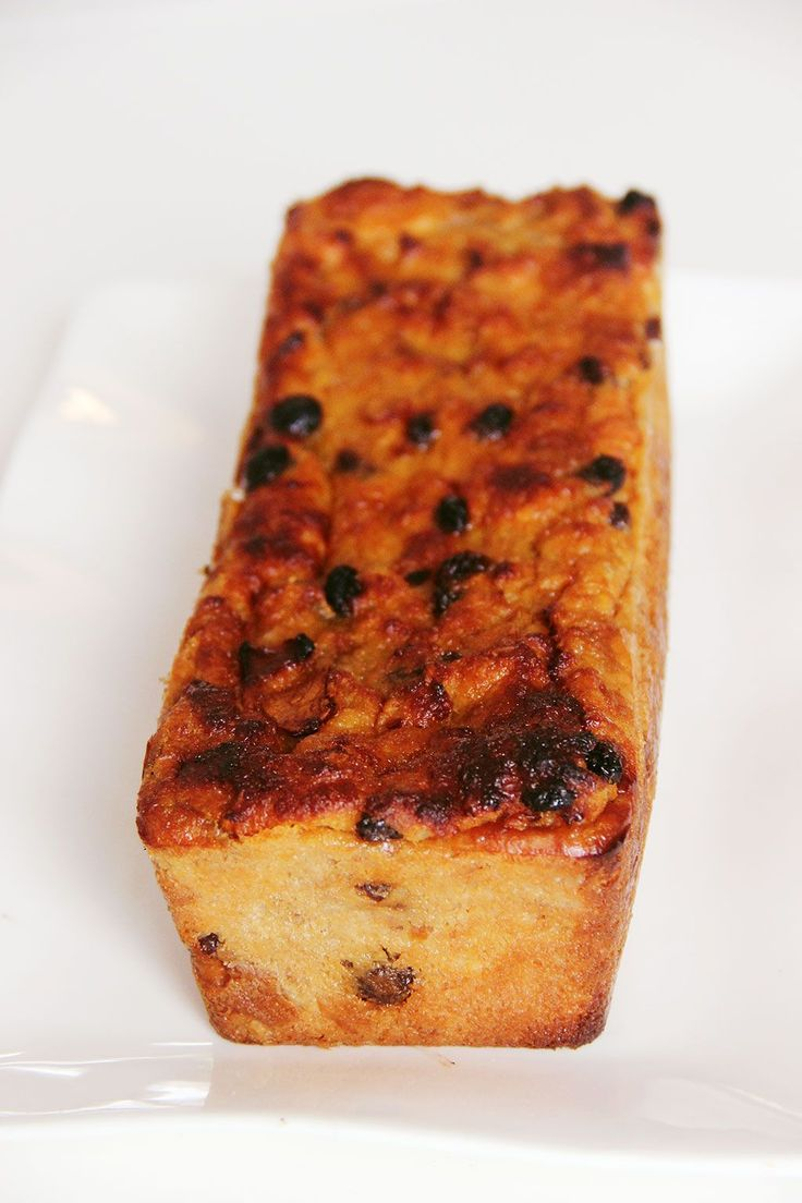 """PAIN D'CHIEN OU POUDING DU NORD - Un reste de vieux de pain tout sec prend la poussière dans votre cuisine ? Originaire de ma bonne vieille région du Nord-Pas-de-Calais, """"eul Pain d'chien"""" est un pudding au pain, parfait pour utiliser les restes de pain rassis. Appelé aussi le """"pouding du Nord"""", cette recette se cuisinait dans les familles de mineurs peu…"""