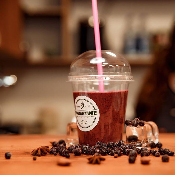 Устали? 🙁 Тогда срочно сделайте перерыв на потрясающую сангрию от PRIMETIME! Ее насыщенный вкус непременно перенесет вас в чудесное время сиесты🍹  #primetime #coffee #breakfast #nsk #кофе #кофейня #открытиеprimetime
