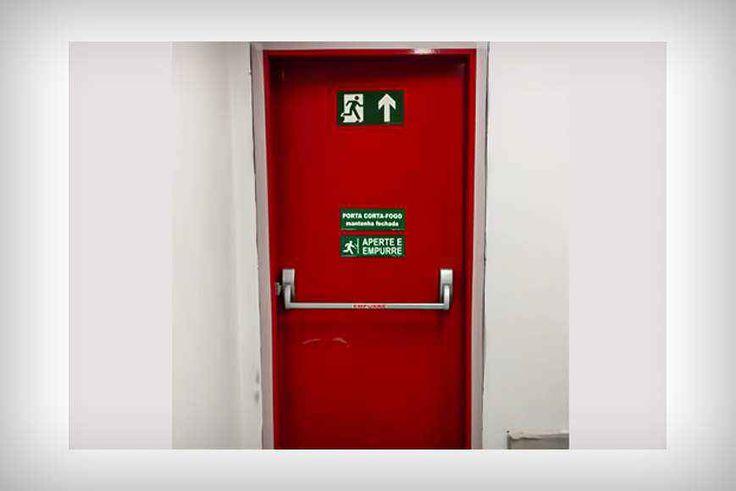 As Portas Corta Fogo começaram a ser usadas no Brasil nos anos 70 quando se…