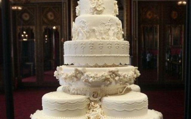 """Come la torta """"umile"""" è arrivata a diventare la moderna delicatezza che è oggi."""