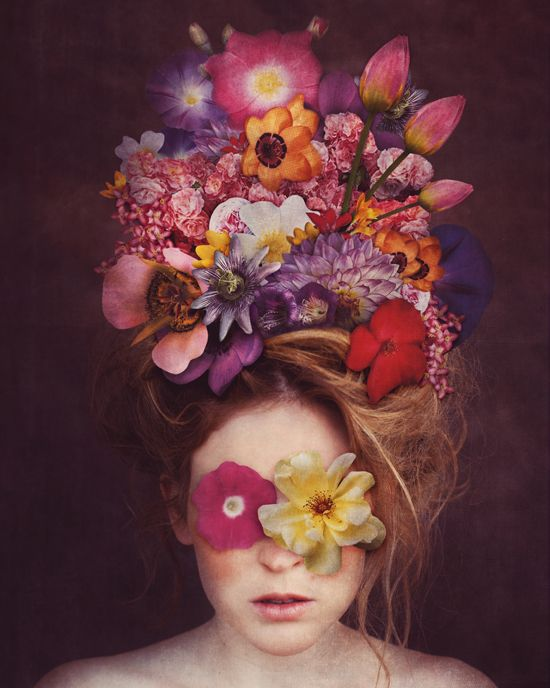 would love to use this headpeice for a photoshoot, but I don't like the flowers over the eyes