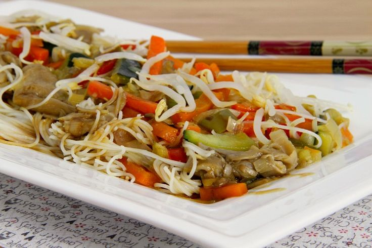 Spaghetti di riso orientali con verdure e funghi - bimby MisThermorecetas