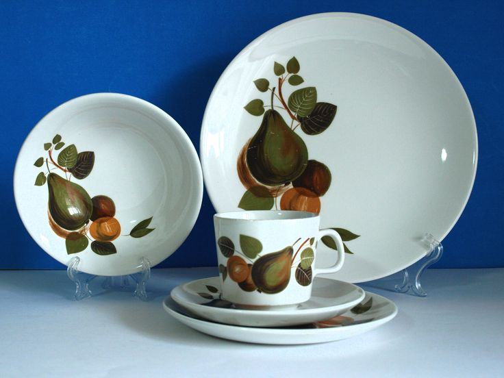 Johnson of Australia Dinnerware Set - Vintage Retro 60s Pears Fruits Pattern Teacups Saucers Plates - Made in Australia & 64 best Johnson of Australia Dinnerware images on Pinterest ...