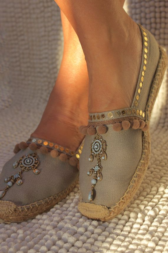 Super beautiful, khaki color espadrilles, embroidered with paillettes and…